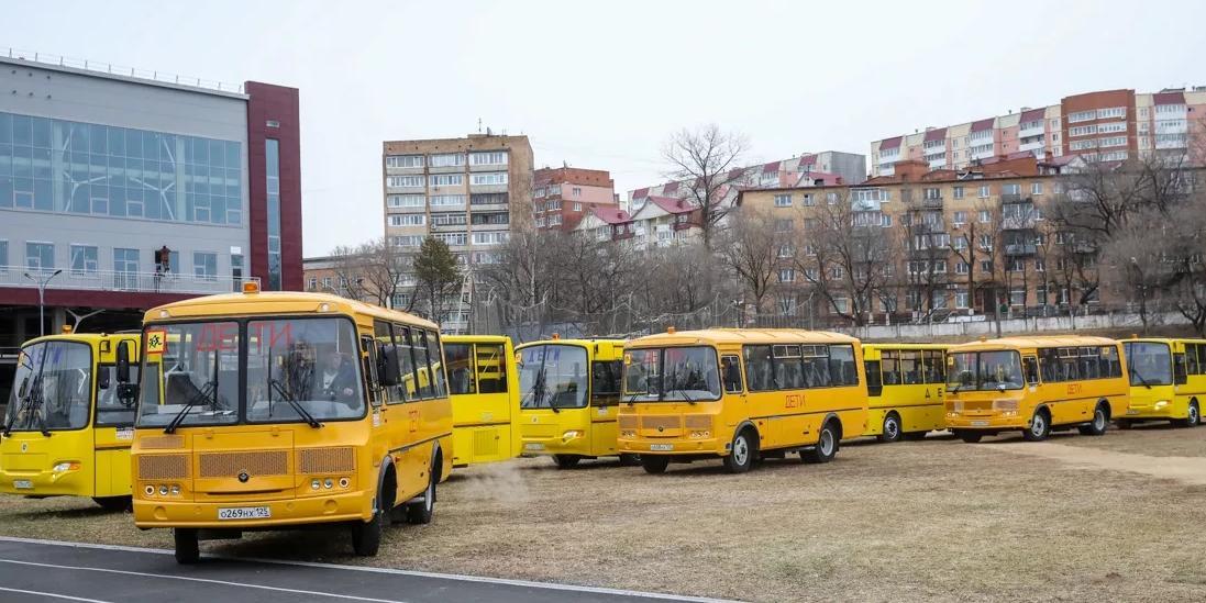 """Регионы уже получили около 3 тысяч единиц нового транспорта для школ и скорых по инициативе """"Единой России"""""""