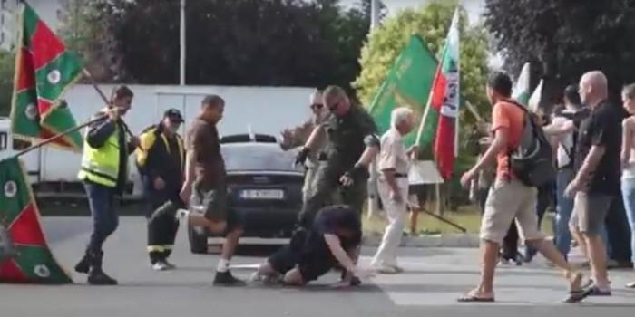 """В Болгарии избили украинцев, вышедших протестовать против """"Ночных волков"""""""