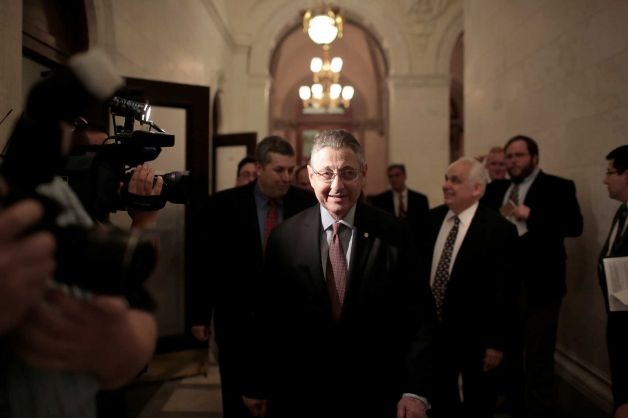 Спикер парламента Нью-Йорка арестован за коррупцию