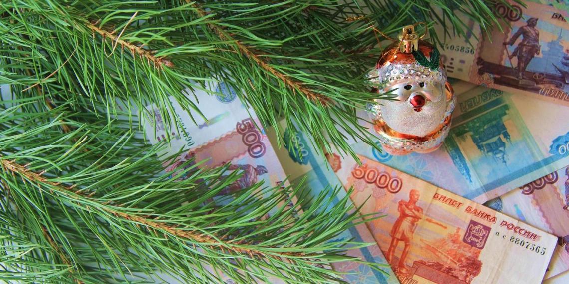 Стало известно, сколько россияне потратили на новогодние праздники