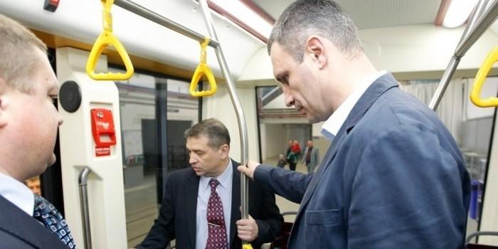 Кличко попросил Порошенко не отдавать России вагоны киевского метро