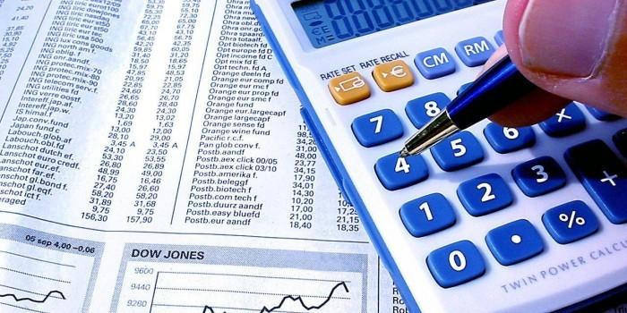 Реальные доходы россиян в марте упали на 2,5%