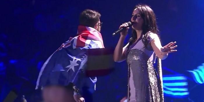 """На """"Евровидении"""" украинец снял трусы прямо на сцене перед Джамалой"""