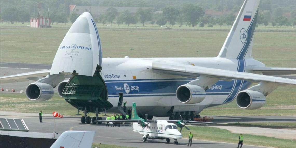 """В России могут возобновить выпуск самого грузоподъемного в мире самолета Ан-124 """"Руслан"""""""
