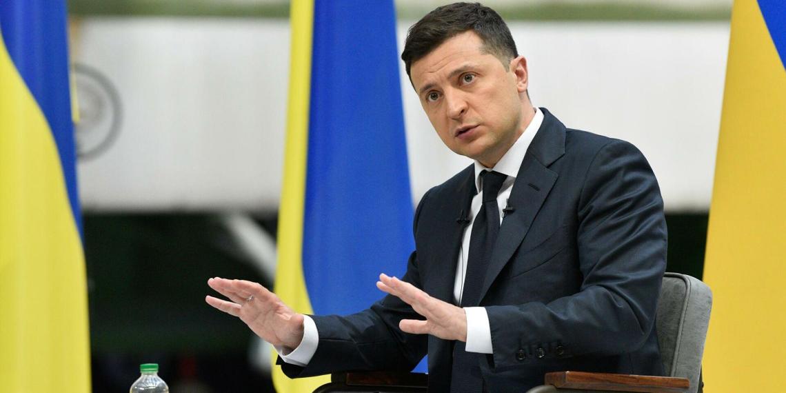 Зеленский призвал русских жителей Донбасса уезжать из страны