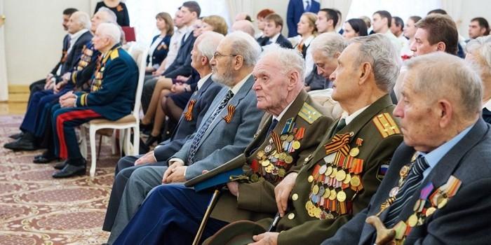 Участников битвы под Москвой саратовские власти наградят мясорубками