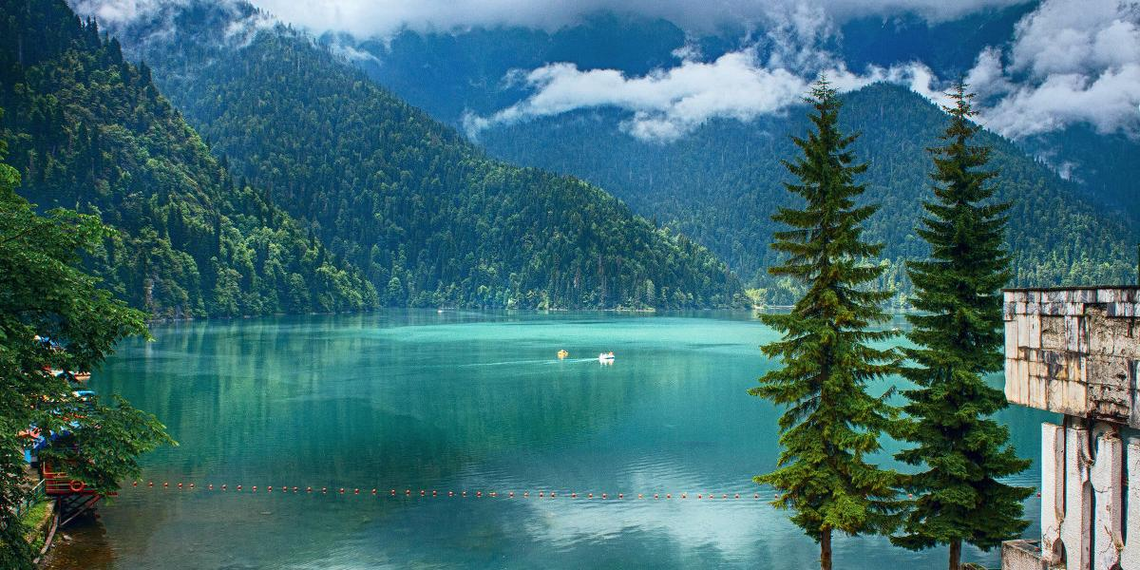 Названы самые популярные способы обмана российских туристов в Абхазии