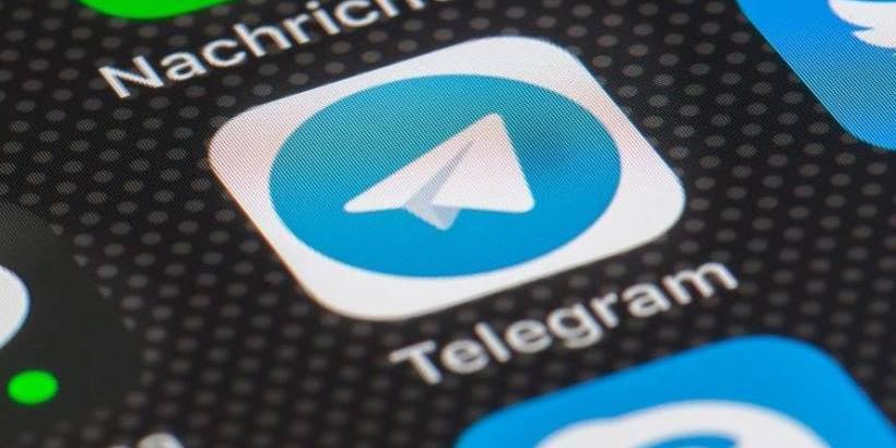 На Apple подали в суд с требованием удалить Telegram