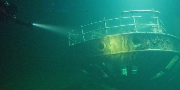 В Крыму на затонувшем пароходе нашли картины Айвазовского