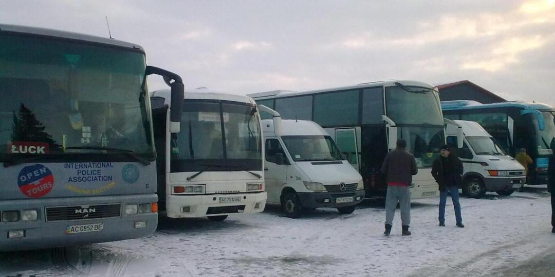Украинская волонтерка устроила истерику в автобусе из-за сериала на русском языке