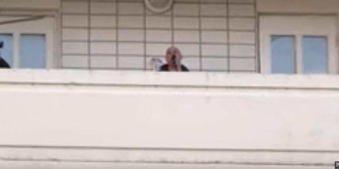 """#МЫВМЕСТЕ: Денис Майданов запустил флешмоб """"Запоем"""", спев в поддержку врачей"""