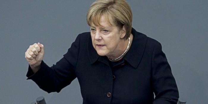 Меркель будет уговаривать ЕС расширить санкции против России из-за Сирии
