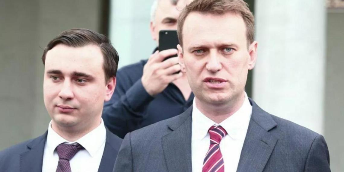 """""""Мне ни копейки не заплатили"""": экс-юрист команды Навального обвинил бывших соратников в обмане"""