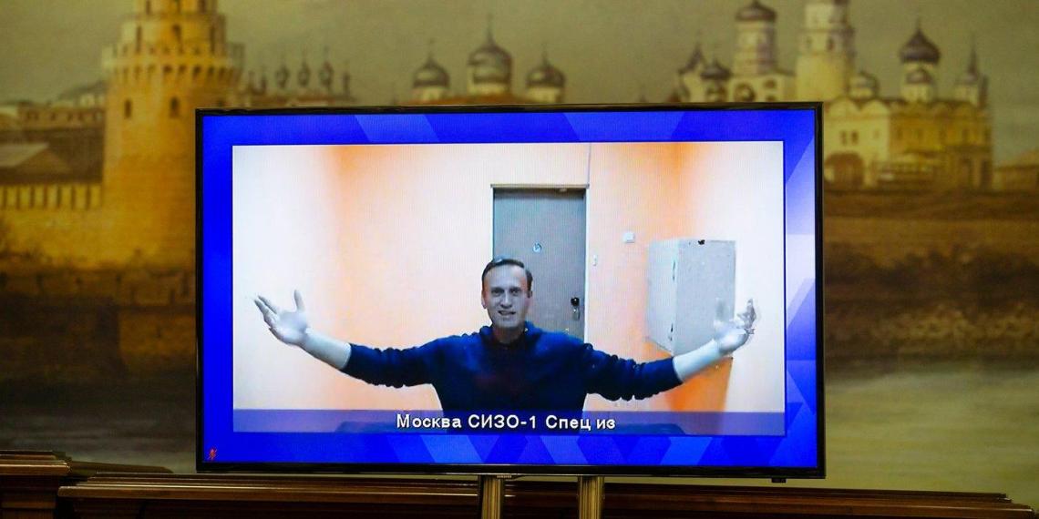 """В Общественной палате призвали прекратить """"нянчиться"""" с Навальным"""