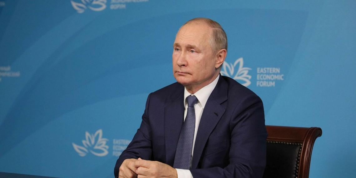 Модернизация городов, льготная программа ипотеки для врачей и учителей и 20 млрд на развитие регионов: ключевые акценты выступления Путина на ВЭФ