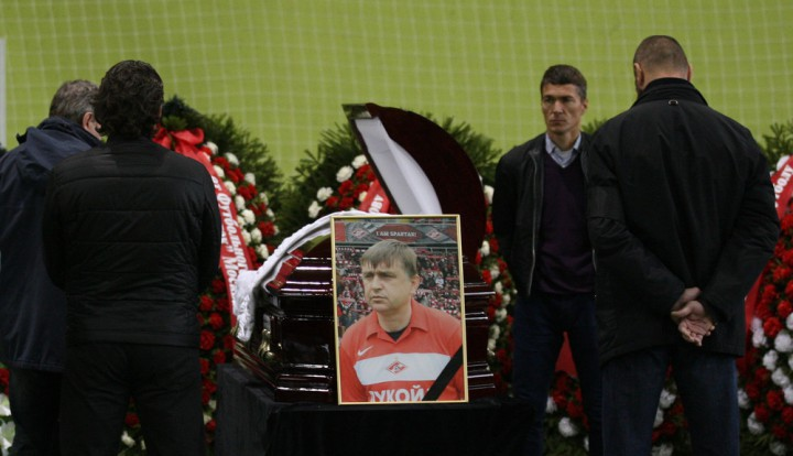 Похороны Фёдора Черенкова: игроки российской сборной приехали проститься  с легендой футбола