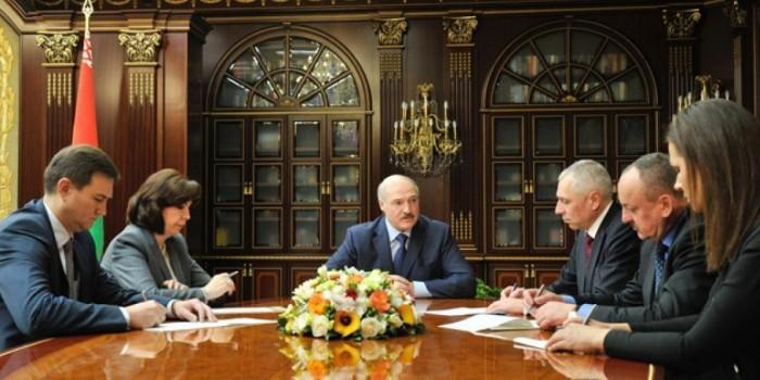 """Украдите, откопайте, найдите"": фраза Лукашенко стала мемом"