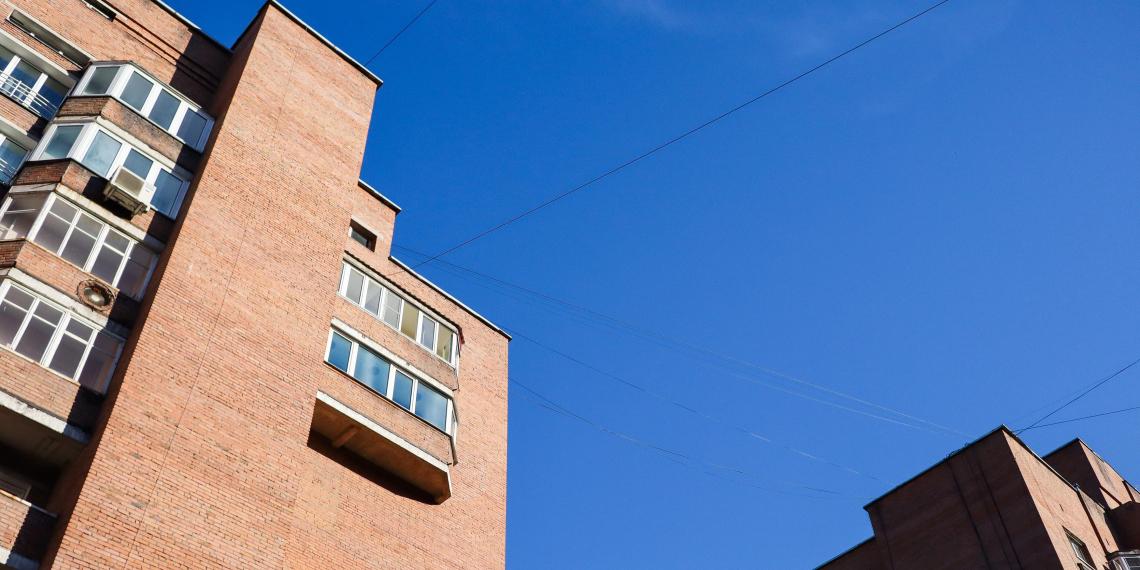 Выплатившие ипотеку россияне не могут вывести квартиры из залога