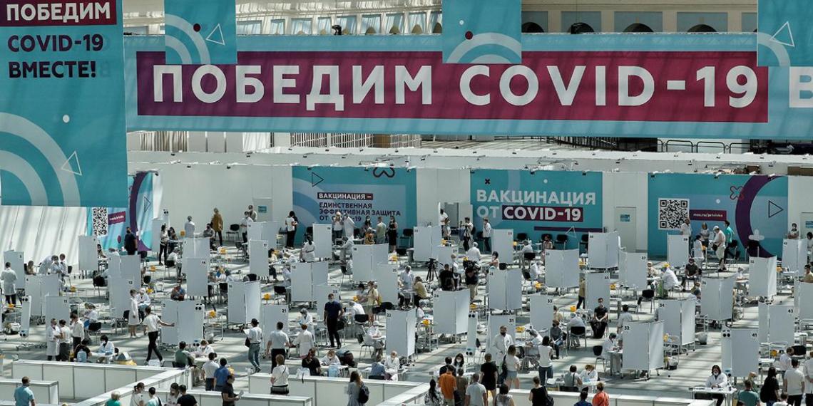 Почти 5 млн москвичей вакцинировались от COVID-19
