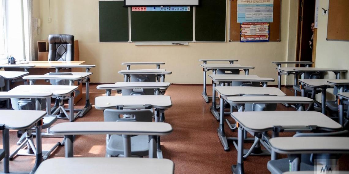"""Курганскую школу проверяют из-за ученика, зачитавшего на уроке """"стих Есенина"""""""
