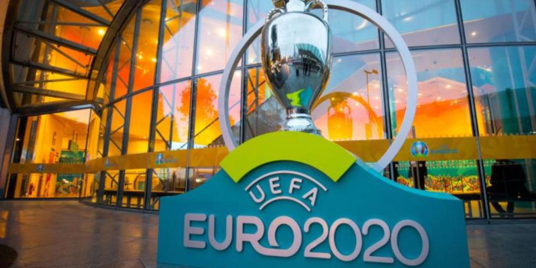 Два российских футболиста вошли в сотню лучших на групповом этапе Евро
