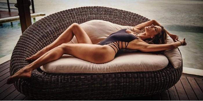 Голая Алессандра Амбросио снялась для обложки GQ