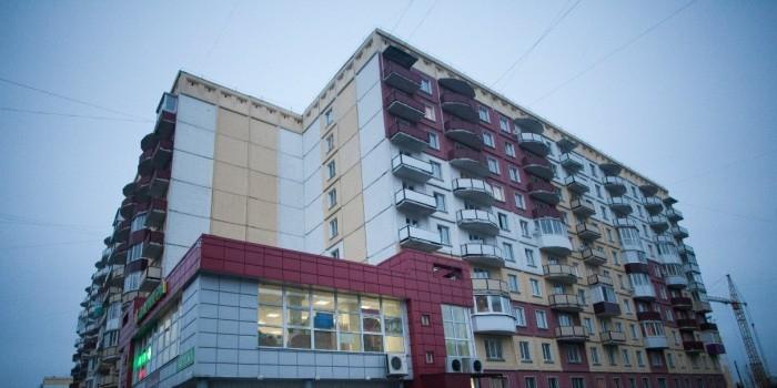 В Екатеринбурге сотрудницу полиции уволили после покупки квартиры не по средствам
