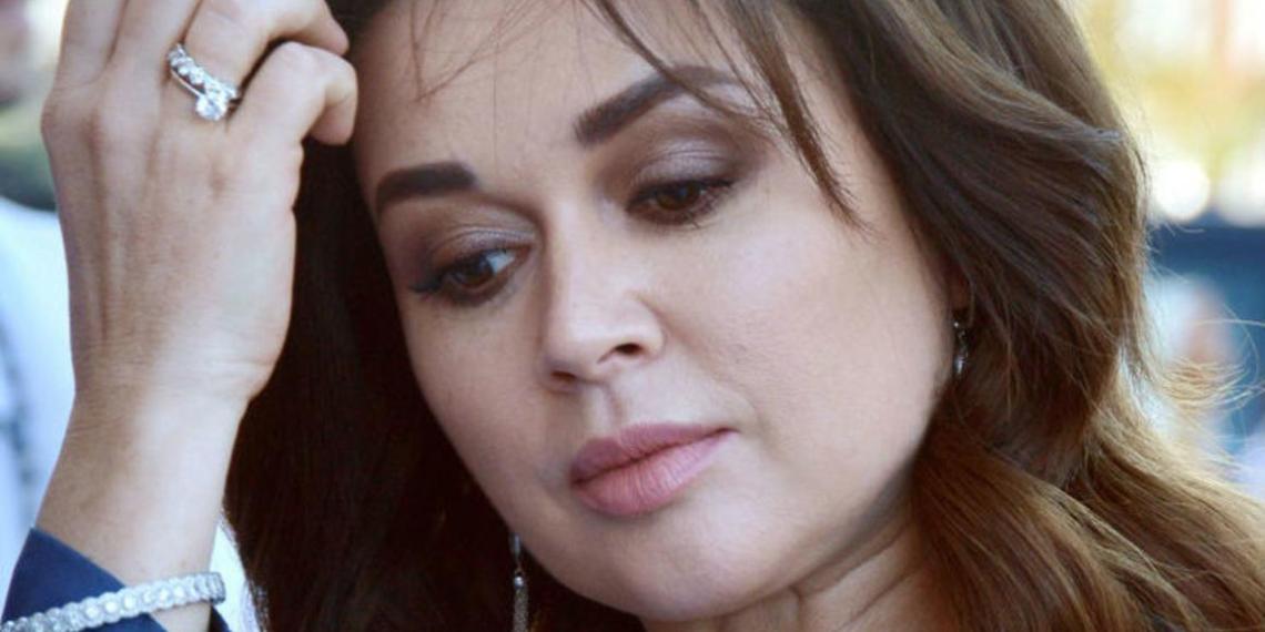 """""""Моя боль каждую минуту со мной"""": дочь Заворотнюк раскрыла, как ей тяжело из-за больной матери"""