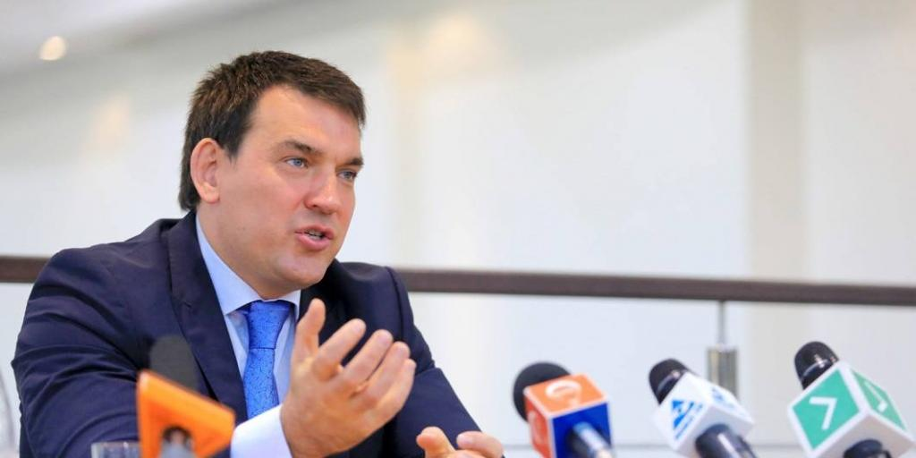 Мэр Новокузнецка на камеру решил отчитать нарушителя карантина, не нашел понимания и был грубо послан