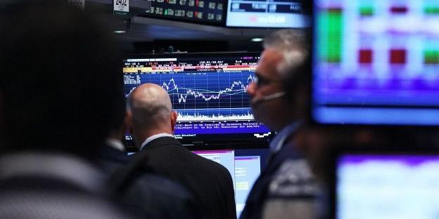 """Китай снимает с плеч мировую экономику: эксперты дали оценку событиям """"черного понедельника"""""""