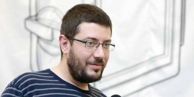 Артемий Лебедев стал отцом в десятый раз