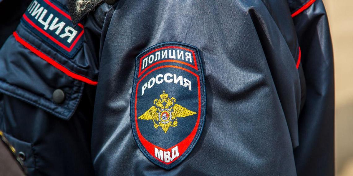 Житель Белгорода утром обнаружил в своей машине спящего полицейского