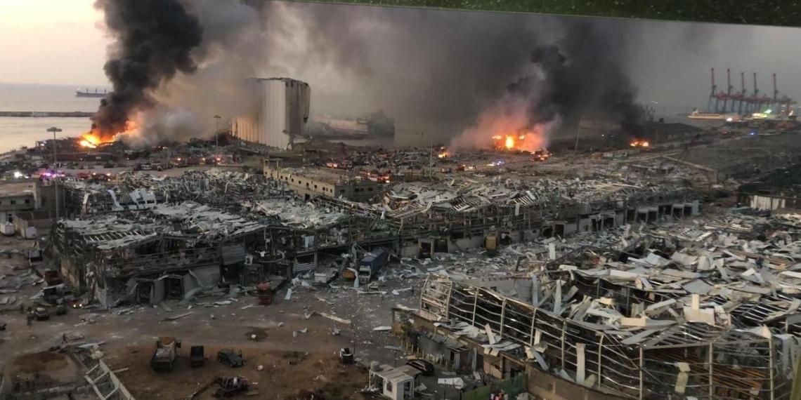 """""""Как в Хиросиме"""": от жуткого взрыва в порту Бейрута пострадало полгорода"""