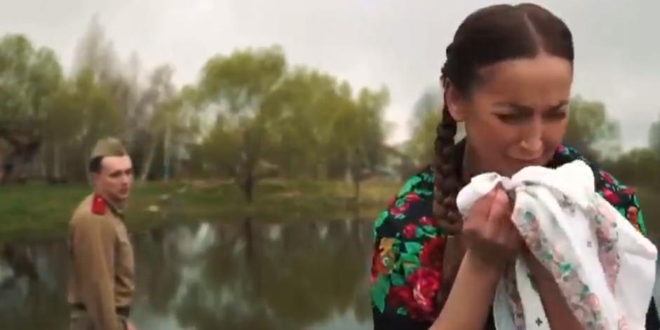 """""""Актриса дешевого театра"""": Бузову раскритиковали в Сети за роль вдовы фронтовика"""