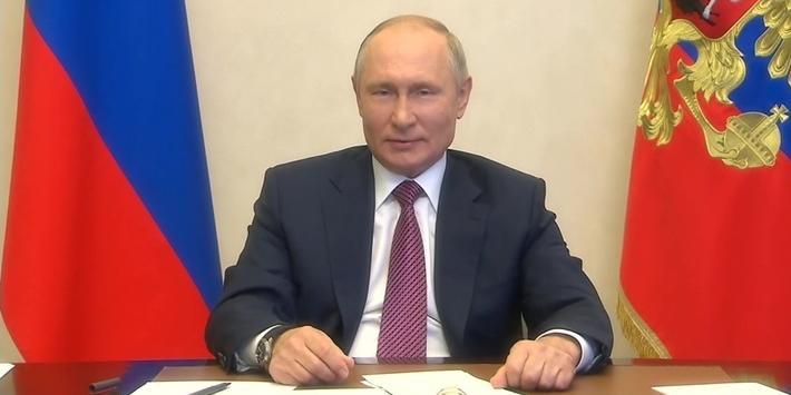 Путин заявил, что новаторские предложения молодежи нужны для движения России вперед