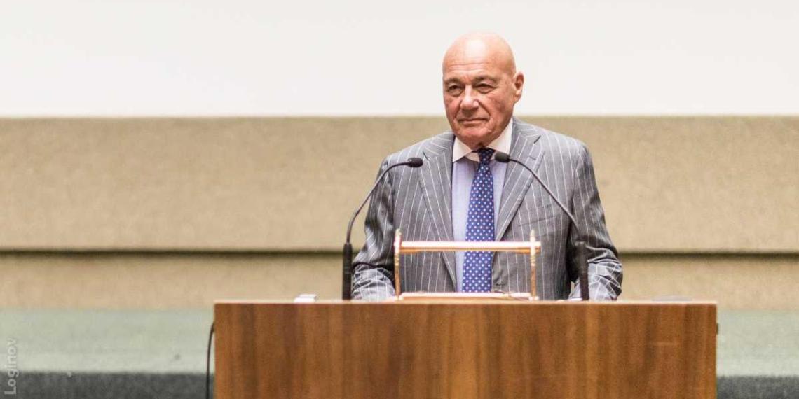 Познер высказался о петиции с призывом лишить Урганта гражданства