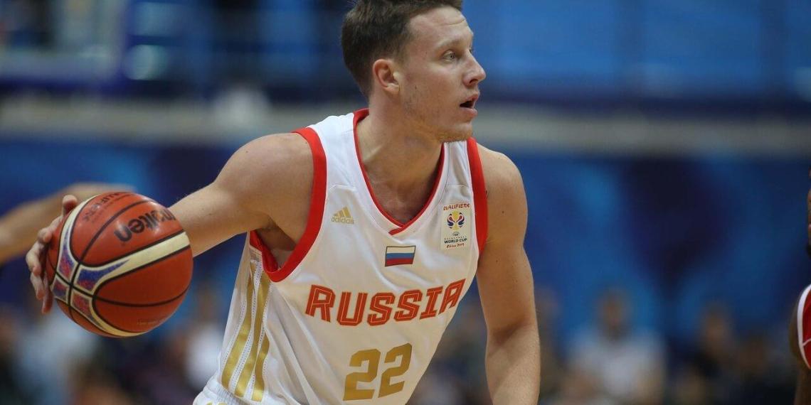 Российский баскетболист намерен отсудить у бывшего клуба 40 миллионов рублей за увольнение