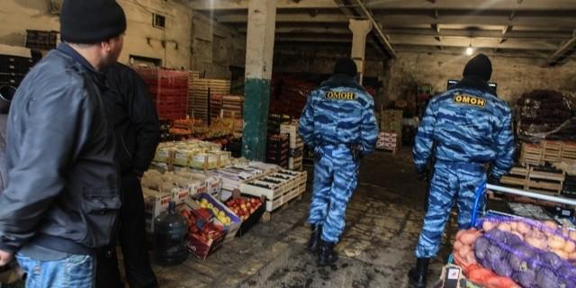 Один человек погиб в ходе массовой драки грузчиков на овощебазе в Петербурге