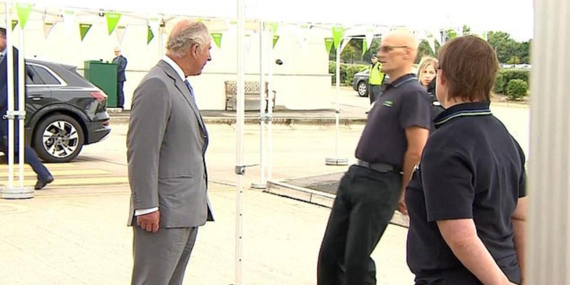 Британец упал в обморок при виде принца Чарльза