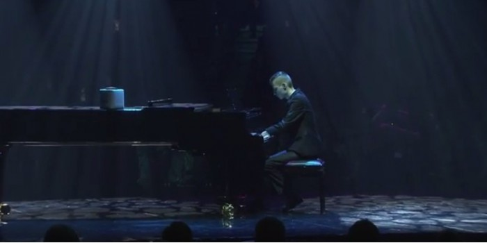 Русский пианист без кистей рук покорил Финляндию