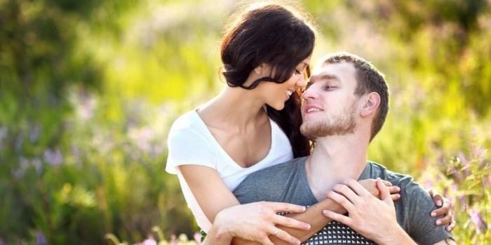 Ученые доказали, что мужчины влюбляются с первого взгляда, а женщины - с шестого