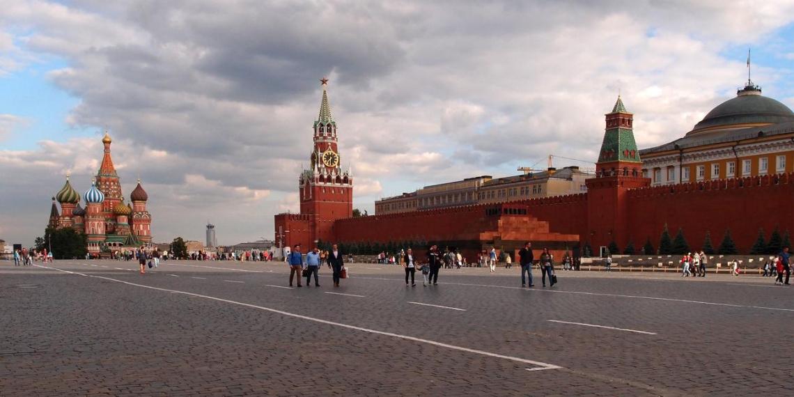 Новый главком ВС Украины хочет проехаться на танке по Красной площади