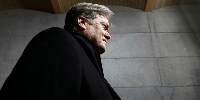 """Стратег Белого дома заявил о """"политике враждебности"""" США в отношении Евросоюза"""