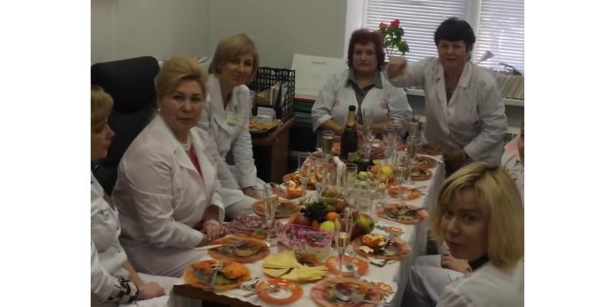 Рязанских врачей уволили за застолье в рабочее время