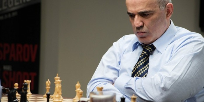 После 12-летнего перерыва Каспаров возобновит карьеру шахматиста