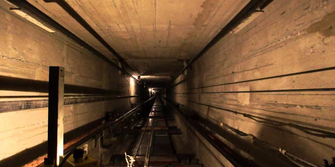 Тюменские инспекторы погнались за лифтером и случайно спасли 11 человек