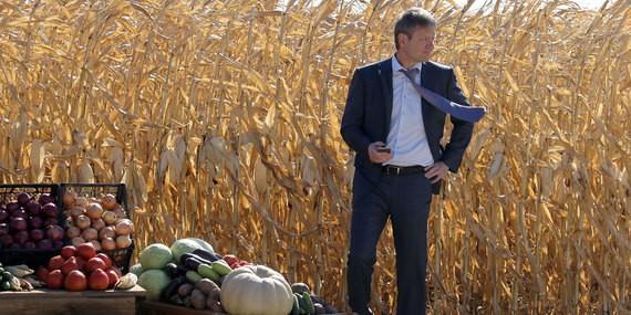 Агрокомплекс семьи министра Ткачева вошел в топ-10 российских землевладельцев