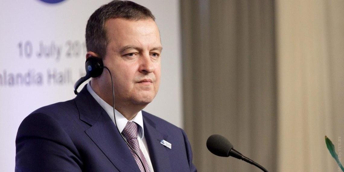 Глава МИД Сербии указал на никчемность ЕС как посредника в переговорах