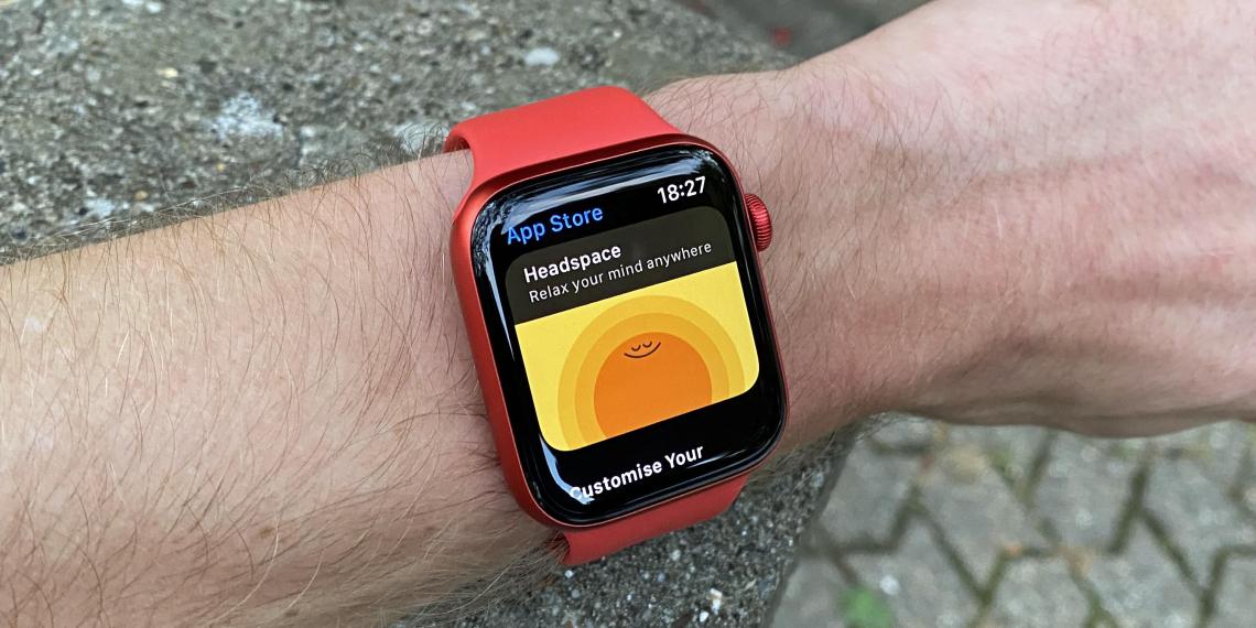 В часах Apple обнаружили таинственный передатчик