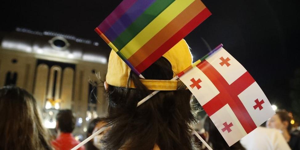 Госдеп не исключил введения санкций из-за насилия со стороны противников ЛГБТ в Грузии